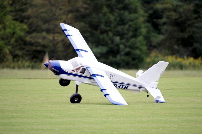 """84"""" Turbo Bushmaster - Modrá/Bílá 2,13m"""